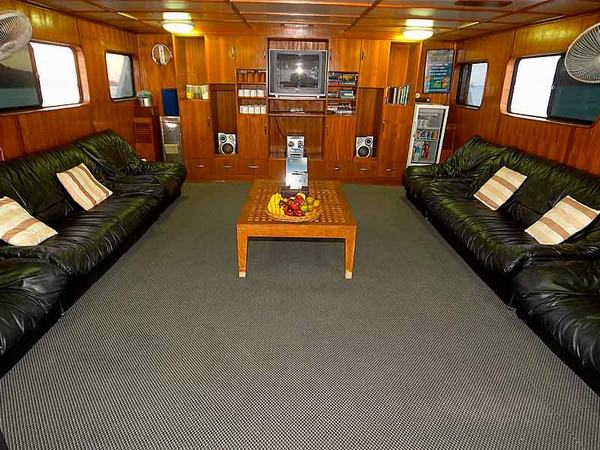 Mermaid II Liveaboard Lounge