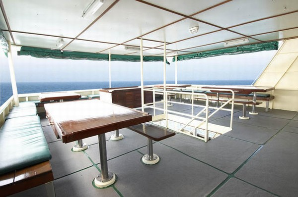 Black Manta Liveaboard Dining Area